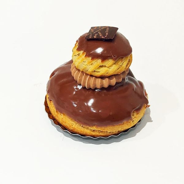 Religieuse au chocolat Au Régal Breton